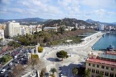 Malaga, Hiszpania, Luty 2019 Piękny widok dziejowa część miasto Malaga z przeglądowym kołem obrazy royalty free