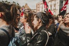 MALAGA, SPAGNA - 8 MARZO 2018: Migliaia di donne partecipano al colpo femminista il giorno delle donne nel centro urbano di Malag Fotografie Stock