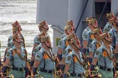 MALAGA SPANIEN - APRIL 09: Spansk Legionarios marsch på ett militar Royaltyfria Foton
