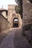 Malaga Spanien, Februari 2019 Fästningen av Alcazaba är en arabisk befästning på monteringen Gibralfaro i spanska Malaga kraftigt royaltyfri foto