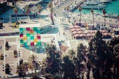 MALAGA SPANIEN - JANUARI 01, 2018: Pompidou mitt i Malaga, Spa Royaltyfri Fotografi