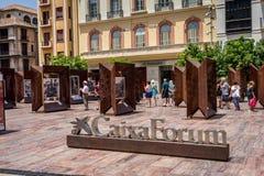 Malaga, Spanje - Juni 24: De toeristen lopen voorbij de schilderijen bij Cai Stock Foto