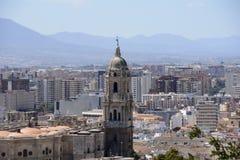 Malaga stad med domkyrkan Arkivbilder