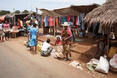 Malagasy peoples on big colorful rural Madagascar marketplace Stock Photos