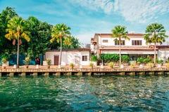 Malakka-Flussstadt, Palme und Kanal in Malaysia lizenzfreies stockfoto