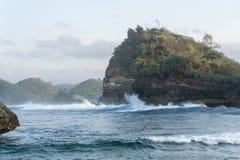Пляж Malang Индонезия Batu Bengkung стоковые фотографии rf