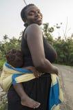 MALANZA/SAO TOME - 2. Januar 2016 - Porträt der Afrikanerin lizenzfreies stockbild