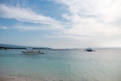 MALAPASCUA, FILIPINAS - 7 DE FEVEREIRO DE 2018: Praia vazia em Malapascua, Filipinas foto de stock