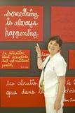 Malarzów stojaki obok obrazu przy muzeum Nowożytny i dzisiejsza ustawa Ładny Ładni, Francja Obrazy Stock