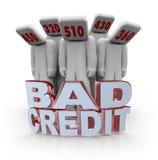 Malas cuentas de crédito - gente con las pistas del número Fotografía de archivo