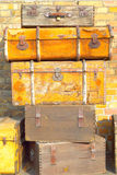Malas de viagem marrons do vintage Foto de Stock