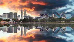 Malasia en la puesta del sol, Kuala Lumpur fotos de archivo