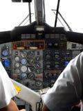Malasia. Pilotos en los controles de la carlinga Imagenes de archivo