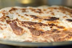 Malawach ou malawah: pão tradicional de judeus iemenitas foto de stock royalty free