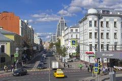 Malaya Dmitrovka Street, Mosca fotografia stock