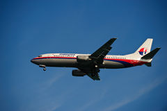 Malaysia Airline 737-4H6 on Final Stock Photos