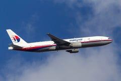 Malaysia Airlines Boeing 777-2H6/ER 9M-MRK odjeżdża Melbourne lotnisko międzynarodowe Zdjęcia Stock
