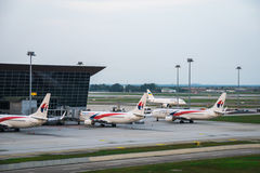Malaysia Airlines flygplan på Kuala Lumpur International Airport malaysia Arkivfoton