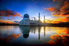 Malaysia Borneo Kota Kinabalu Likas moské Royaltyfri Fotografi