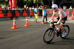 Malaysia-Eisenmann 2014 der Anfang des 180km Fahrrades Stockfoto