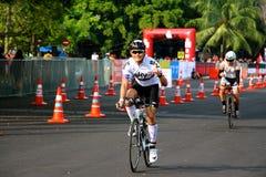 Malaysia-Eisenmann 2014 der Anfang des 180km Fahrrades Stockfotos