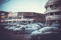malaysia KotaBaru 15 peuvent 2014 Voitures dans le stationnement Image libre de droits
