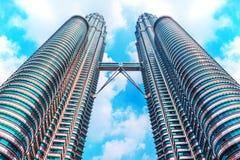 MALAYSIA KUALA LUMPUR - 12 JUNI 2016 Petronas tvillingbröder i M Royaltyfri Foto
