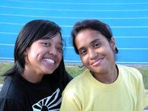 Malaysische Freunde an der Spur   Lizenzfreies Stockbild