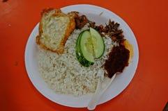 Malaysisches Lebensmittel - Nasi Lemak Stockbilder