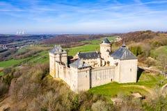 Malbrouck roszuje château De Meinsberg, Burg Meinsburg w Mandaren wiosce, Francja, blisko granic Niemcy i Luksemburg zdjęcia stock