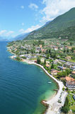 Malcesine - una bella città alla polizia del lago, Italia Immagini Stock