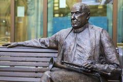Malcolm Arnold Statue in Northampton lizenzfreies stockbild