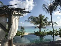 Maldivas - centro turístico de lujo con las piscinas privadas Foto de archivo libre de regalías