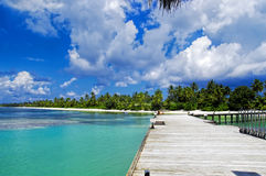 Maldivas - embarcadero soleado Imágenes de archivo libres de regalías