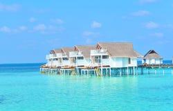 maldive villavatten för bungalower Royaltyfria Foton