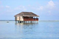 Maldiverna bungalow Royaltyfri Bild