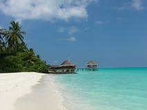 Maldiverna bungalow Arkivfoton