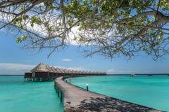 Maldiverna Overwater kojor royaltyfri foto