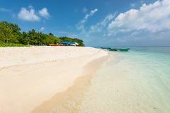 Maldiverna välkomnande i paradis! Arkivfoto