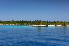 maldives Ciel bleu tropical d'île, d'océan et d'espace libre Photographie stock libre de droits