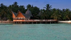 maldives Häuser auf Stapel auf Wasser stock video