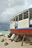 Maldivian boot in dry-dock Stock Foto