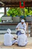 Maldivian muzułmański nauczyciel daje lekci jego męscy ucznie zdjęcia royalty free