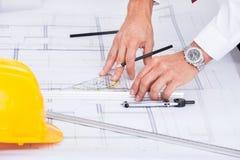 Male arkitekt Arkivbild