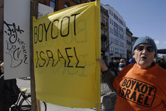 MALE WITH BANNER BOYCOT ISRAEL Stock Image