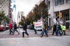 Male di agitazioni sindacali per l'affare Immagini Stock Libere da Diritti