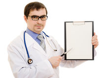 Male doctor with a blank sheet of paper Royalty Free Stock Photography