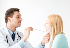 Male doctor with patient Royalty Free Stock Images