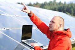 Male engineer using laptop, Royalty Free Stock Photos