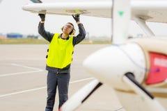 Male flygplatsarbetare Royaltyfria Foton